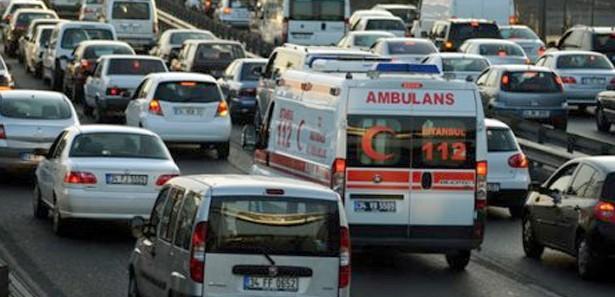 ambulans_uyaniklari_bu_defa_yandi13655891900_h1012477