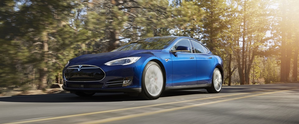 2015-tesla-model-s-70d-in-new-ocean-blue-color_100507669_h